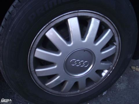 Audi A3 8L '2001' 5X100-as 15-ös gyári alufelni garnitúra! A kupakok hiányoznak!