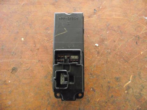 Mazda 6 bal első elektromos ablakemelő kapcsoló!