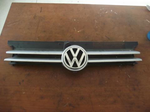 Volkswagen Golf IV hűtőrács!