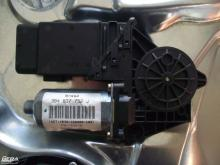Volkswagen Passat B5 jobb első ablakemelő motor!