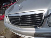 Mercedes W211 E-osztály '2004' Avantgarde hűtőrács!