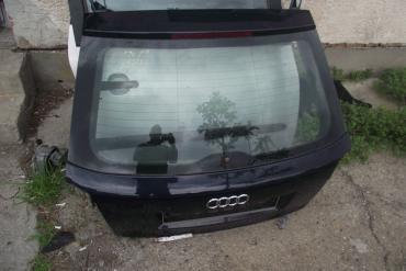 Audi A3 8P csomagtérajtó! Sötétkék színű! 3 ajtós!Az ajtó ára a...