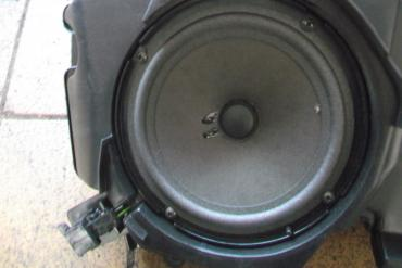 Audi A6 C6 bal első hangszóró!