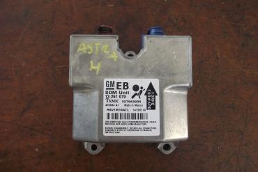 Opel Astra H légzsákindító!