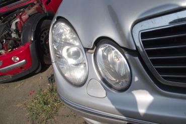 Mercedes W211 E-osztály '2004' jobb első lámpa (fényszóró)! XENON!...