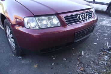 Audi A3 8L '2001' bordó színű első lökhárító!A lökhárító ára a...