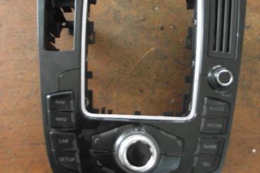 Audi A4 B8 8K kapcsolókonzol! Navis kivitel!!