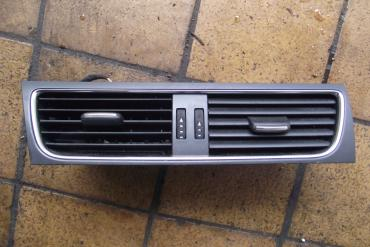 Audi A4 B8 8K középső szellőzőrács!