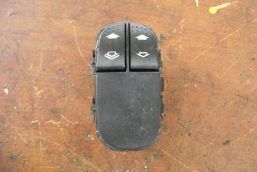 Ford Focus ablakemelő kapcsoló!