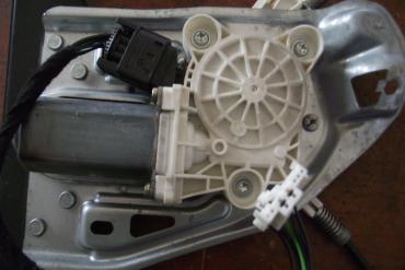 Mercedes W203 jobb első elektromos ablakemelő motor!