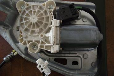 Mercedes W203 bal első elektromos ablakemelő motor!