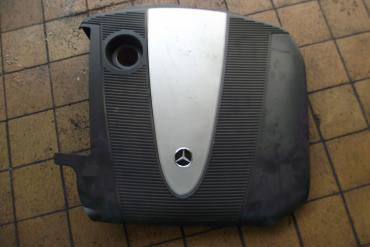 Mercedes W203 C200 CDi motorburkolat!